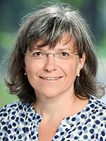 Claudia Koroknai